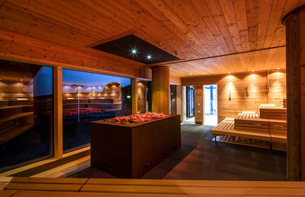 Therme Schwarzwald mit Sauna Wellnesshotel in Bad Wildbad